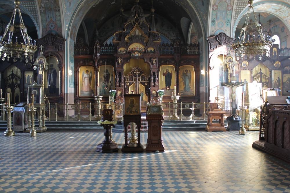Мемориальный комплекс с крестом Петушки Эконом памятник Купола с профильной резкой Новая Ляля
